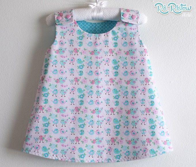 Vestido para bebê, dupla face. Pode ser usado nos dois lados! Confeccionado em tecido 100% algodão. <br> <br>Disponível nos tamanhos: <br>0 a 3 meses <br>3 a 6 meses <br>6 a 12 meses <br>12 a 18 meses