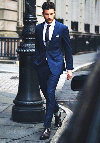 ネイビースーツ×黒ネクタイの着こなし | スーツスタイルWEB