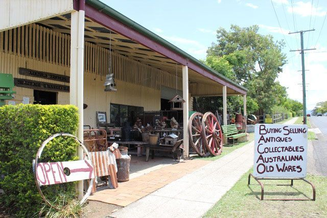 Day Tripping In Aratula | Must do Brisbane - Aratula Traders - great shop - on the way!