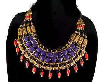 Lapis Coral babero collar, oro étnica nepalí, declaración, joyería Tribal, collar tibetano por Taneesi
