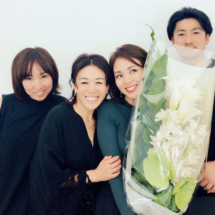 いいね!858件、コメント3件 ― 早坂 香須子 Kazuko Hayasakaさん(@kazukovalentine)のInstagramアカウント: 「今日はSHIHOちゃんのとある広告撮影で、スタイリスト樋田さん、ヘアHIROKI、私というチームで2度目の撮影❤️ 素晴らしいチームワーク! お疲れ様でした〜✨✨✨ #SHIHO #オフショット…」