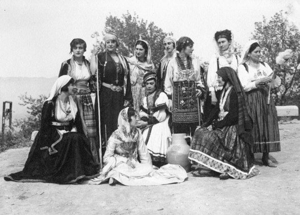 Delphic Celebrations 1930. Top row, third from left, Virginia Romanou, née Benaki, and bottom row, second seated from left, Argyro Paparrigopoulou. Photo by Nelly's. Alexandros Romanos Archive.