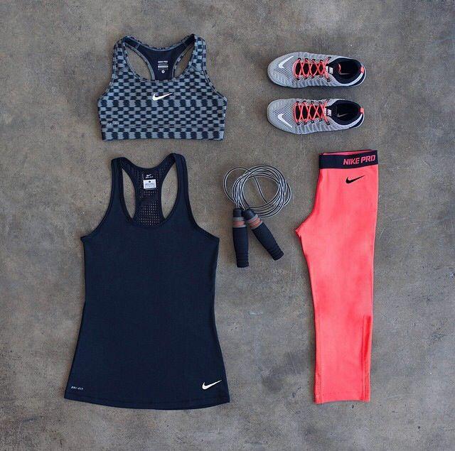 Nike Women **SMALL bra, SMALL top, MEDIUM bottoms, 8.5 shoe