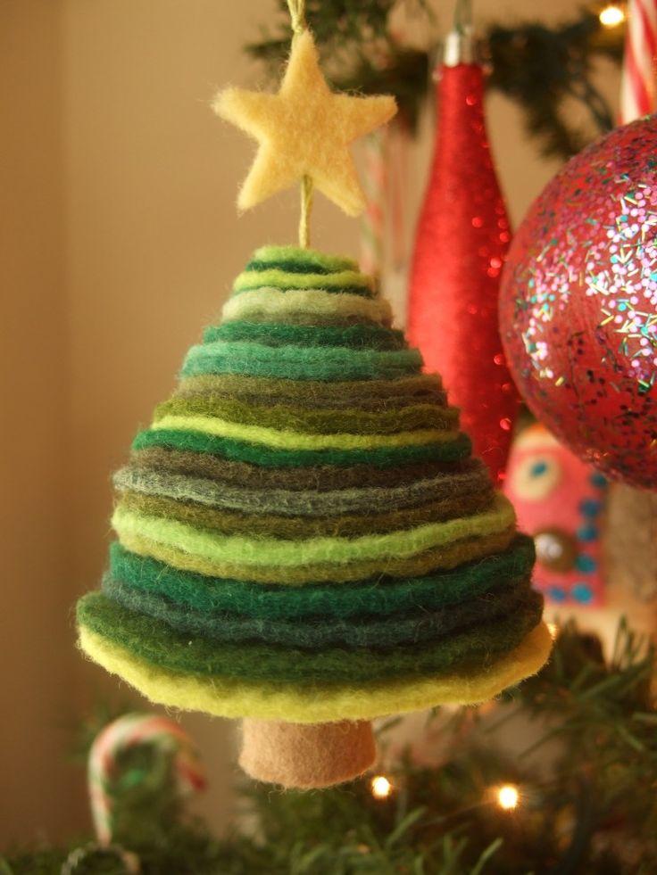 felt Christmas tree ornament made of felt from Etsy shop 'sweet emma jean'