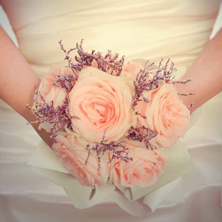 Heather has many meanings, it symbolises admiration, solitude and beauty. If you opt for white heather then this also represents protection and indicates that your wishes will come true.