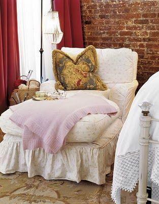 .: Dreams Bedrooms, Dogs Beds, Guest Bedrooms, Brick Wall, Bedrooms Design, Cozy Chairs, Reading Corner, Country Bedrooms, Bedrooms Decor Ideas
