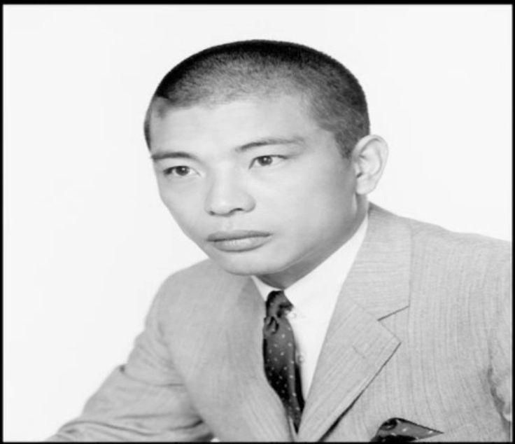 Mako Iwamatsu (マコ 岩松, también conocido como 岩松 信 Iwamatsu Makoto, 10 de…