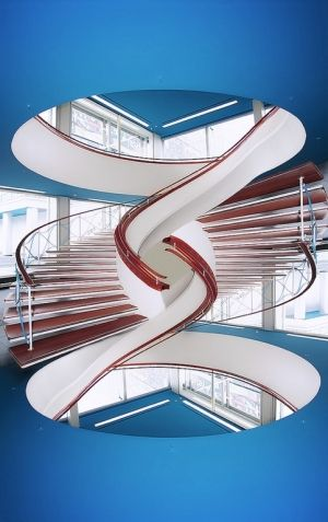 Staircase - spot the design fault! by gilda