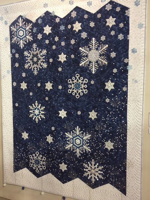 Snowflakes - 2013 Tokyo Quilt Show, photo by SewBlossomHeart, via Flickr