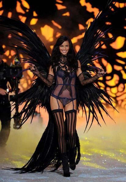2011 Victoria's Secret Fashion Show Adriana Lima - favorite outfit she's ever modeled!