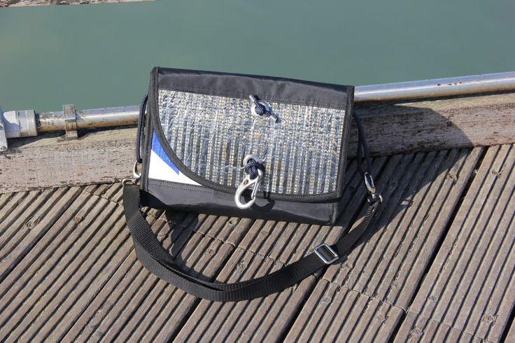 n° 4/18 - #Borsa a tracolla in #vela laminato carbonio, dacron e vela con adesivo originale - Fanatic Carbon Special Edition 2015 by Bolina Sail #madeinitaly