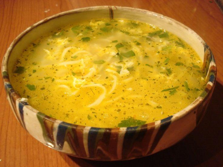 Reteta culinara Ciorba de Pui Aurie din categoria Borsuri si Ciorbe. Cum sa faci Ciorba de Pui Aurie