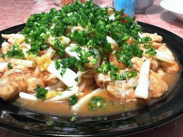 ヒーハー炒めだけど、キムチ鍋の素は多めに使ってもそんなに辛くなかったです(*´-`) 辛いのが好きな方は、【キムチの素】のほうがいいかもσ(^_^;)? 白菜をたくさん使いたいなら、鍋以外にもこういったのもオススメじゃけえねヽ(*´▽)ノ♪ - 49件のもぐもぐ - 鳥むねと白菜のヒーハー炒め by tokkun