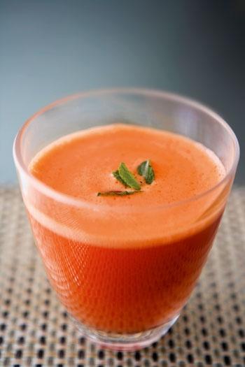 el articulo sobre comida sana, pero el jugo es zanahoria, jengibre y menta.
