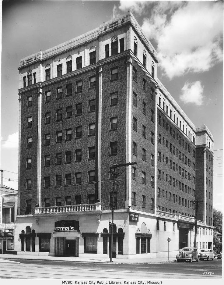 Hyde Park Hotel 336 W 36th Street Was Built In 1925 And Later