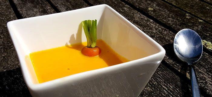 Een heerlijk romig soepje met wortel en paprika
