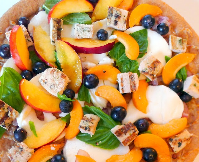 Blueberry, Basil, Mozzarella & Nectarine pizza. Wow this sounds ...