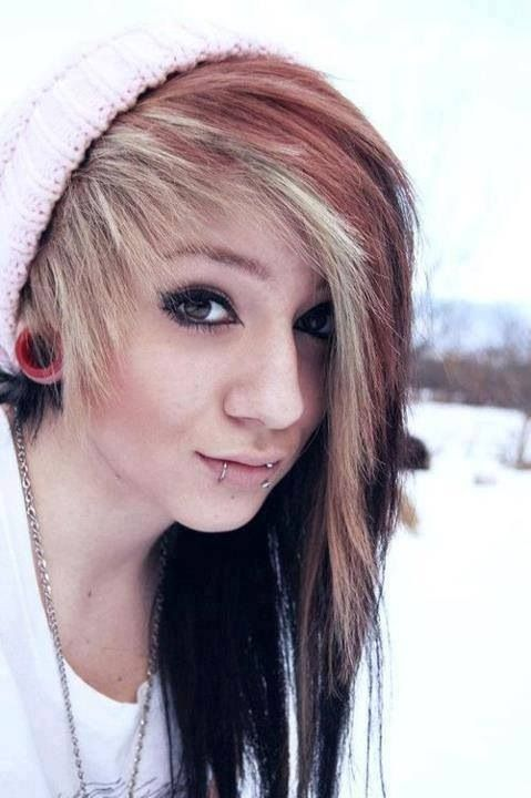 Yes I love beanies. Yes I love Indie hair. Yes I love the combination of Red-Blond. THIS IS PERF OKAY >>