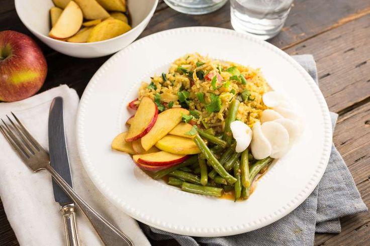 Nasi Goreng met sajoer boontjes en gemarineerde appel - Koken met Aanbiedingen