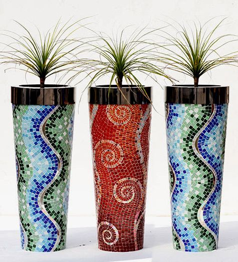 Mosaic Vases   An Interesting Treatment On The Vases. I Am Assuming They  Are Done With The Micro Tiles. Their Design Adds A Lot Of Attention To A  Small And ...