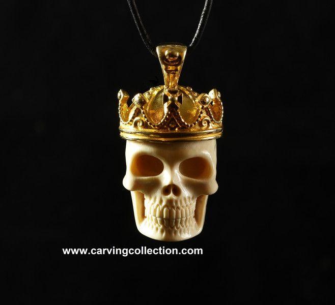 Vergoldete Anhänger - Schädel mit vergoldete Silber Krone Anhänger - ein Designerstück von carvingcollection bei DaWanda