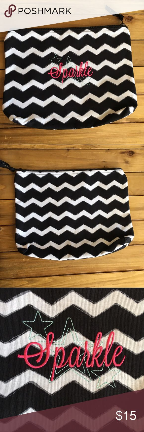 Spotted while shopping on Poshmark: Thirty One Zipper Pouch in Chevron! #poshmark #fashion #shopping #style #Thirty One #Handbags