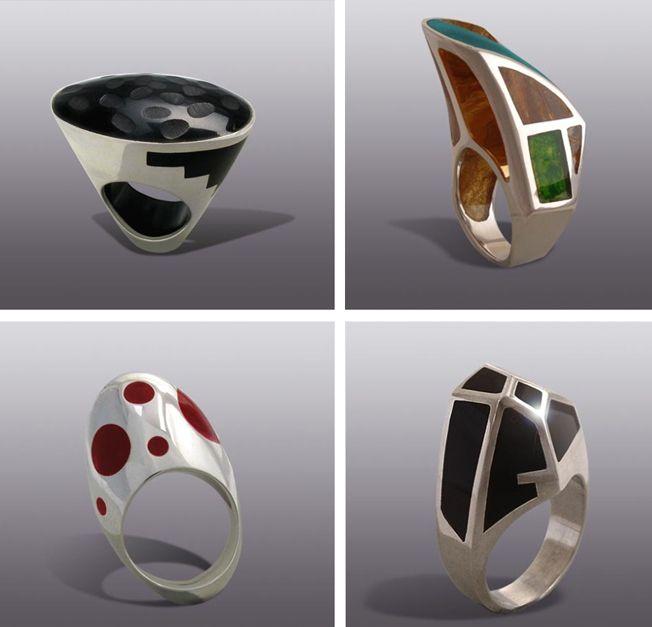 Moshiko es un artista autodidacta que ha trabajado con polímeros en combinación con metales preciosos desde hace 20 años.  Moshiko combina de forma única de trabajo de los polímeros, la plata y el oro; sus obras están inspiradas en la naturaleza, la arquitectura y la ciencia.