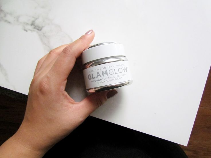 Feeling stressed? Stressed out skin? GlamGlow's SuperMud Clearing Treatment has been helping me through my month of stress. Read more about it on the blog! http://www.naancymaac.ca/2017/10/glam-glow-supermud-clearing-treatment.html . . . . . . #beauty #makeup #skincare #glamglow #glamglowcanada #bbloggers #bblogger #bbloggersCA #ontheblog #torontoblogger #facemask #hellosexy #masking #supermud #acneprone #toronto #yyz #beautyreview #beautylover #beautyjunkie #canadianblogger #flatlay