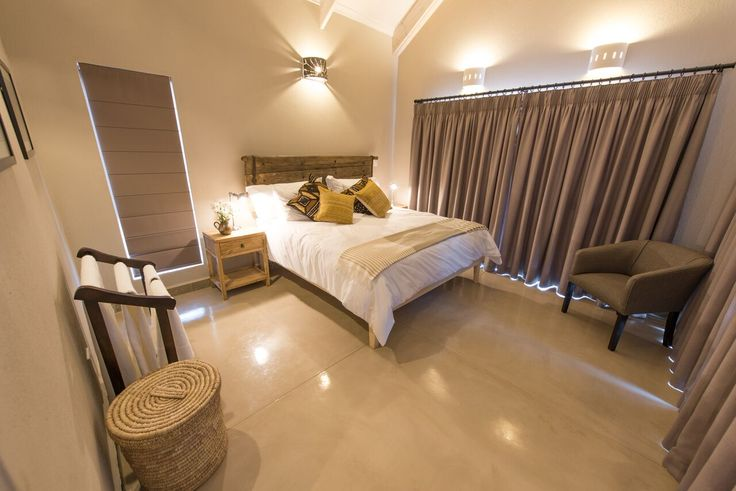 Anoter look at the bedrooms which were painted in Midas Envirolite Midafelt 225 - MOOI RIVER.