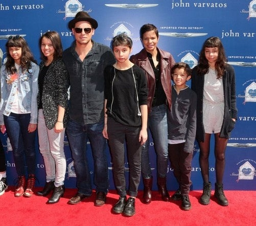 Justin Chambers and Keisha Chambers with their five children