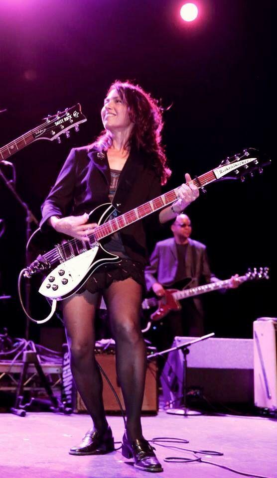 e1eeb1ac05aa0 Susanna | Tights and music in 2019 | Susanna hoffs, Female guitarist ...