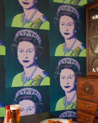 Queen Elizabeth Flavor Paper wallpaper