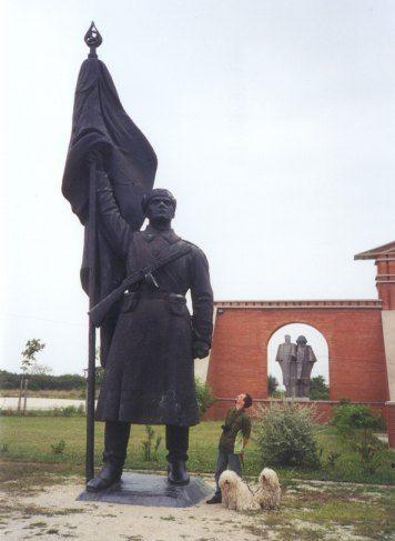 Iets buiten Budapest vind je het Szoborpark met allemaal beelden het Communistische tijdperk