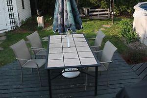 table de jardin avec 4 chaises et parasol Longueuil / South Shore Greater Montréal image 1