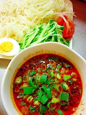 """""""☆Yammy!Cold chinese noodles accompanied with spicy thinly pork sliced pork soup for dipping☆/☆絶品!豚バラ辛みダレのつけ麺☆"""