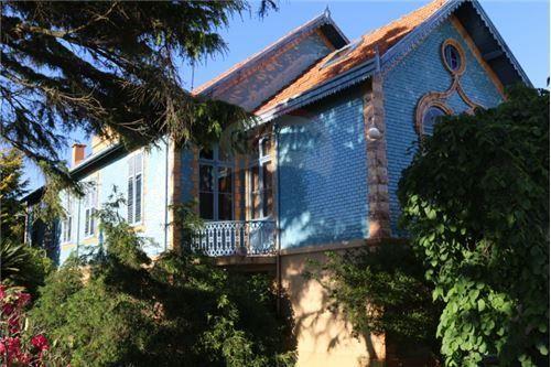 Moradia - T10 - Venda - Mafamude e Vilar do Paraíso, Vila Nova de Gaia - 123821140-2
