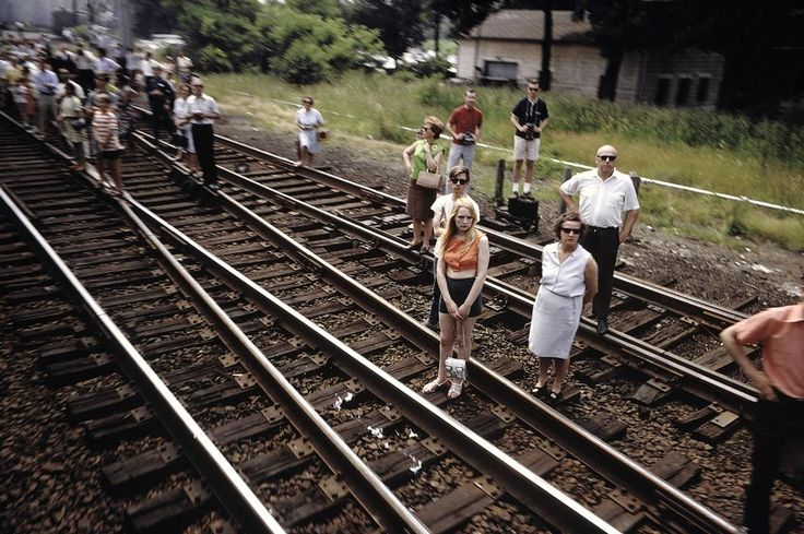 Robert Kennedy funeral train photos by Paul Fusco Agonistica Cult of Photography