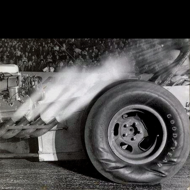 Look at the pressure waves in the tires of this old school drag racer - so much torque.