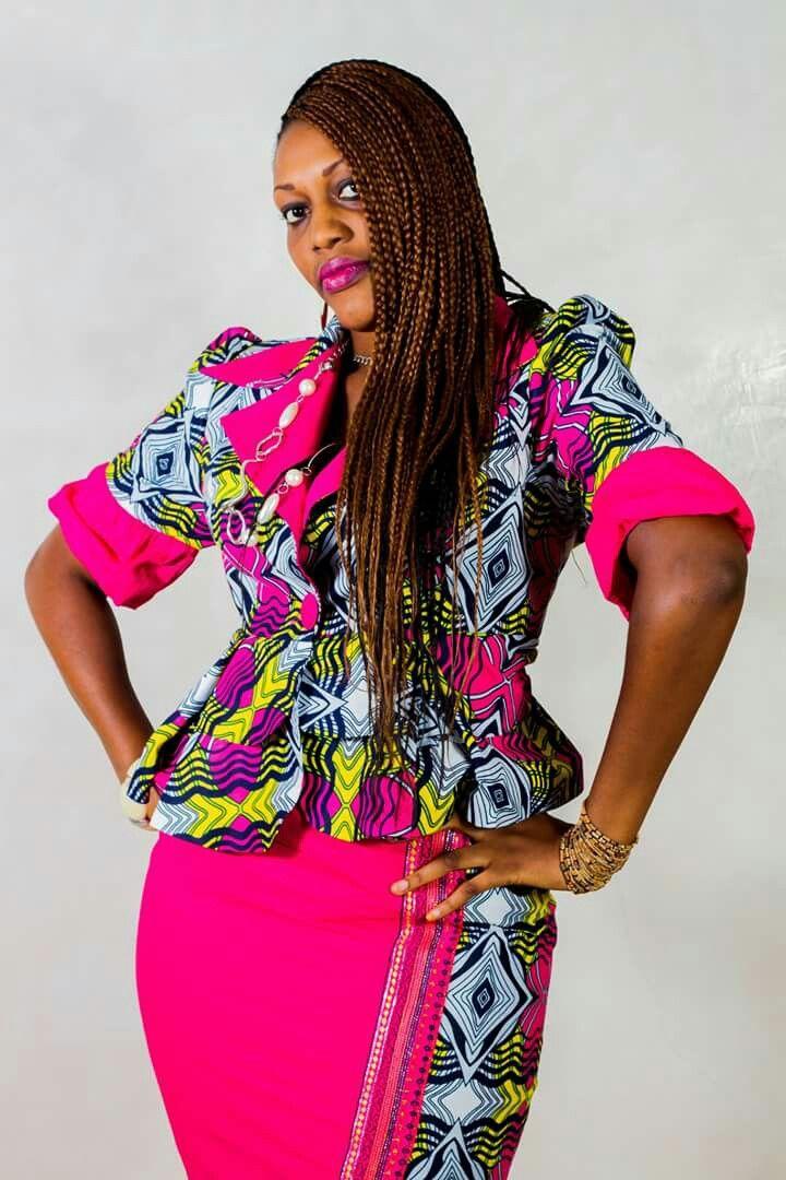 les 111 meilleures images du tableau wax styles sur pinterest v tements africains robe. Black Bedroom Furniture Sets. Home Design Ideas