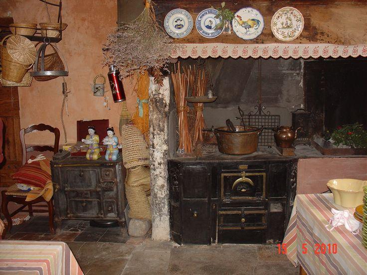 La table d 39 hotes de l 39 ancienne cuisine les pi ces de for Table de cuisine ancienne