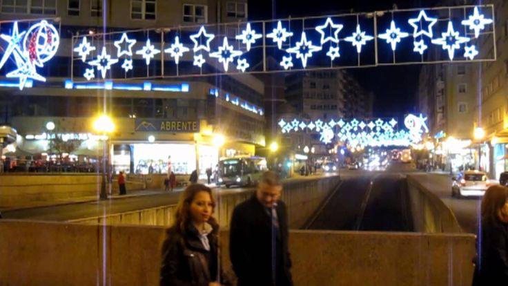 Iluminación Navidad Estrellas www.electromiño.es  Arcos de iluminación artística Navideña en la ciudad… Electromiño, Iluminando la noche.  #electromiño #CiudadesNavidad #Vigo #Galicia #Navidad #Alumbrado #AlumbradoNavidad #EncendidoLuces #NavidadenlaCiudad #Leds #led #navidades #estrella #arcosdeluz