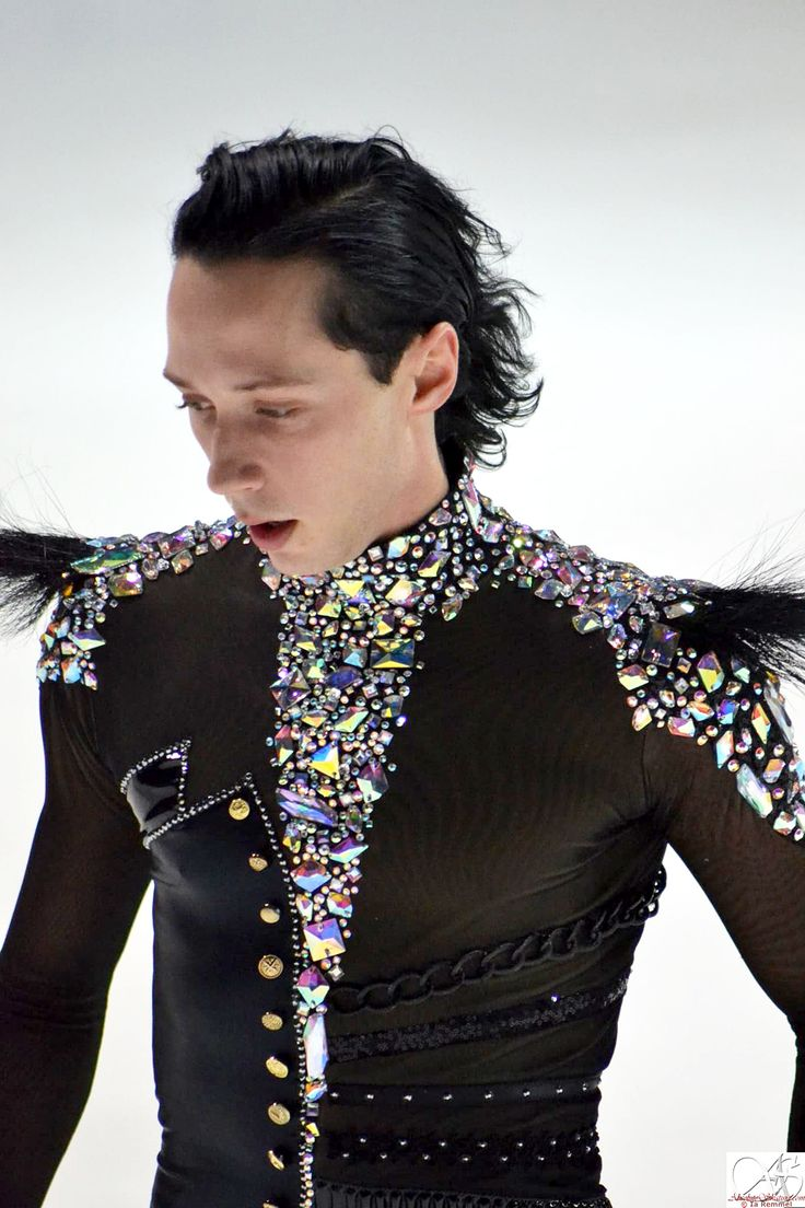 Binky's Johnny Weir Blog: Poker Face 2.0: First Look! - Absolutely LOVE this guy! Not only is he a fabulous skater, he is unique and has a style that is easy to love!