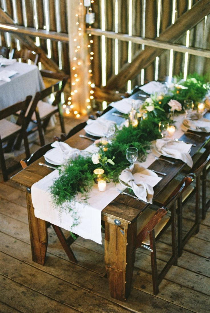 La Tavola Fine Linen Rental: Tuscany Eggshell Table Runners with Tuscany Natural Napkins | Photography: Renee Lemaire Photography, Styling, Planning & Stationery: The Wildflowers, Florals: Isibeal Studio, Rentals: A Classic Party Rental, Venue: Barn Swallow Farm, Cake: Heavenly Sweets