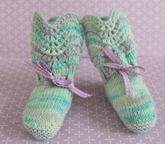 Baby Booties Vintage Booties Traditional Booties by Pinknitting