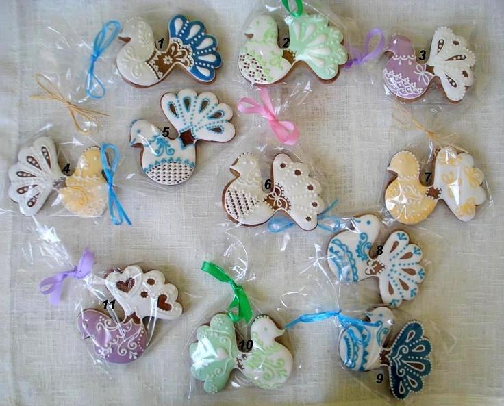 Hand-decorated Gingerbread honey-glaze lovely. http://www.fler.cz/zbozi/holubicky-2022810