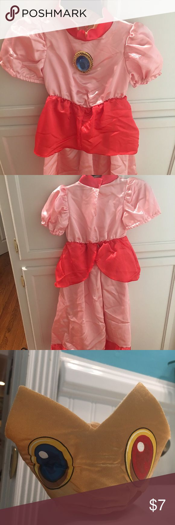 Mario - Princess Peach costume From Mario, Princess Peach costume size Small (4-6).  Comes with dress and head piece. Costumes Halloween