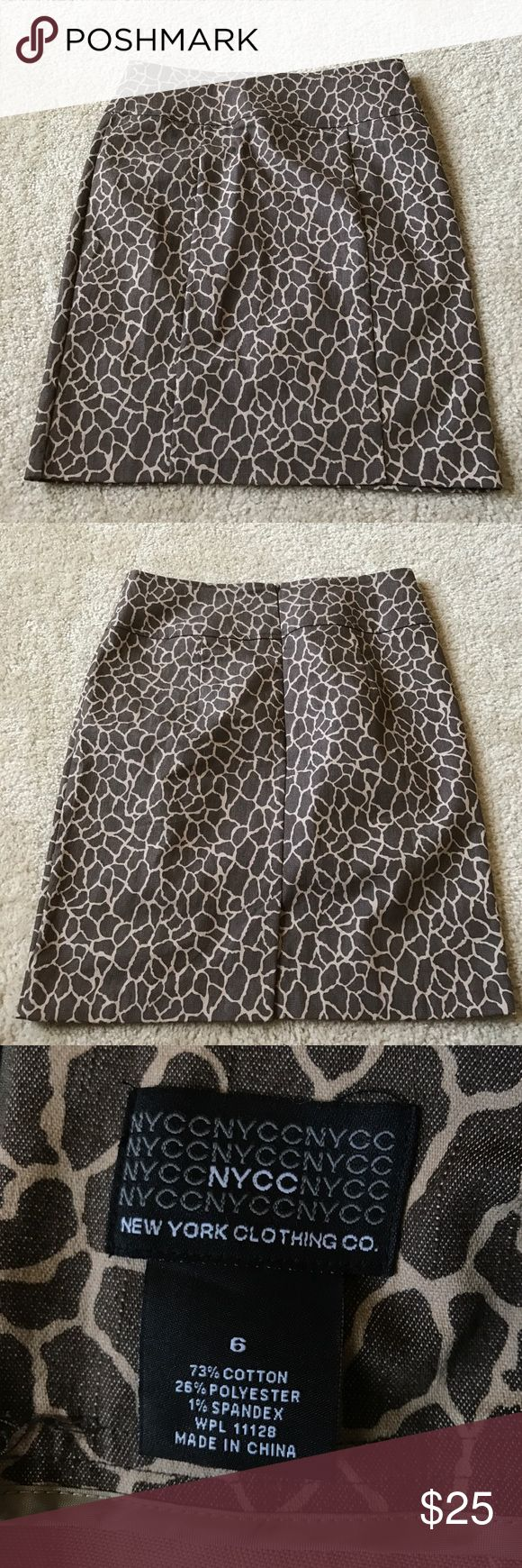 NY & Co Giraffe Print Pencil Skirt This is an adorable pencil skirt that is an excellent condition. It is great for work. There are no rips or stains. It is a light weight denim-ish fabric. Size 6. Please ask if you have any questions! New York & Company Skirts Pencil