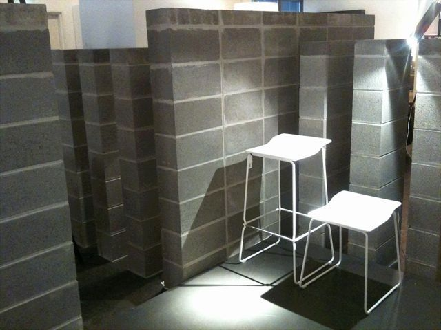 Love besser blocks. Im thinking of making a shower wall like this. Very old skool swimming pool