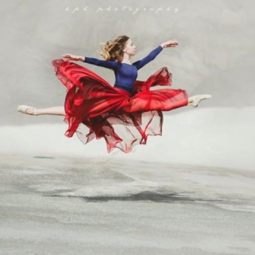 Frases e imágenes motivacionales sobre la danza, la más sublime y elegante de las artes. ¡Busca inspiración en estas reflexiones hechas por gente que ama esta forma de expresión. #arte #artistica #bailar #bailarin #bailarina #baile #ballet #danza #danza e inspiracion #expresion #frases de danza   : #inspiracion