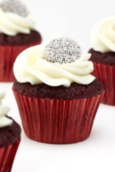 STYLEeGRACE ❤'s these Red Velvet Cupcakes!